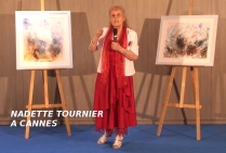 Nadette TOURNIER , ici, présente avec compétence et technicité, son style et sa démarche artistique devant le Jury GRANDS PINCEAUX DE FRANCE réuni à Cannes. Son style et son talent lui permettent de décrocher l'éminente distinction PINCEAU DE FRANCE OR